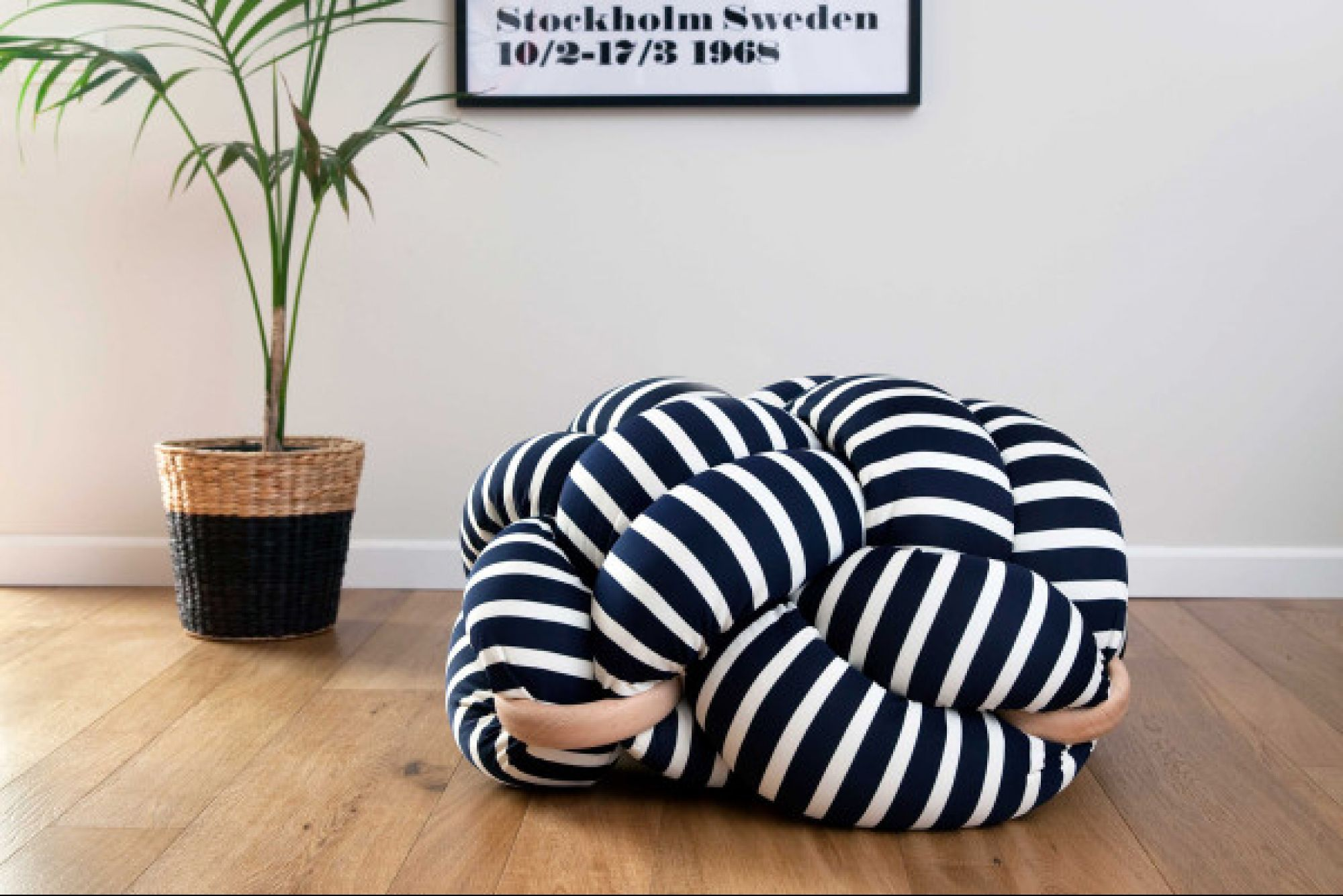 packshot-stripes1.photographer-Ami-Teslerjpg-600x400